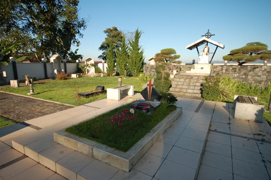 Kloosterkerkhof Wonosobo I
